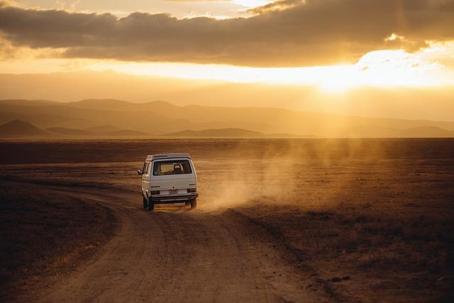 Jak najlepiej podróżować do pracy czy na wakacje własnym autem tak czy nie?